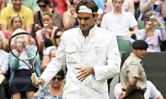 Roger Federer's bizarre pre-match outfit